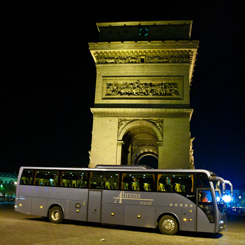 Ahrens Travel bij Arc de Triomphe